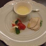 トレマーニ - 前菜 鶏は低温ロースト。