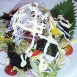 カフェ百菜 - メインのマグロと刻みキムチのコリアンサラダ韓国のりのせ
