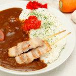 ボラーレ - 「豚串カレー 850円」牛と豚のガッツリカレー。これを食べれば間違いなくお腹いっぱいになります。