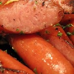 肉盛り 牛もつ鍋 時々ハレ酒場 HALU - 鉄板ドイツソーセージ