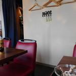 炭火焼き鳥とワインのお店 Gallo - 店内