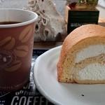 ヨカベイク - 本日のロールケーキ&ホットコーヒー