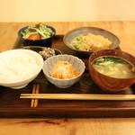 ごはん 芽屋 - 定食 1100円(税込み)(2018.04)