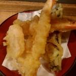 84318449 - 天ぷら盛セットの天ぷら