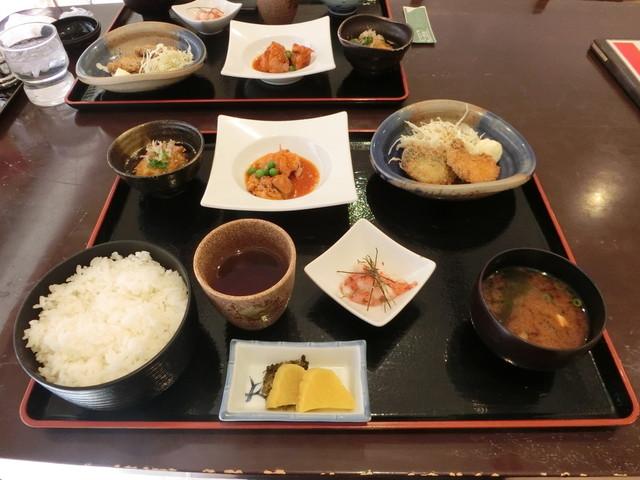 お食事処 前田 - 服部/和食(その他) [食べログ]