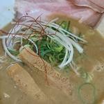 らーめん ぎん琉 - 魚介鶏白湯醤油♪