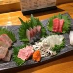 魚虎 - 料理写真:刺し盛り