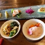 Sanshounoki - 赤鶏のおまぜ前菜とお漬物ビュッフェ