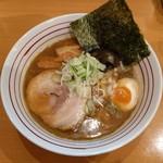 84333070 - Wスープ・醤油らーめん(780円)