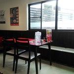 くるまやラーメン - テーブル席