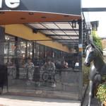 Cafe du Riche - テラス席