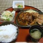キッチン 秋津 - ハンバーグとチキンステーキのミックス膳