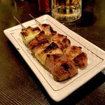 すみびやき串串 - *ねぎラム(1本:¥200) *豚のどナン骨(1本:¥150)