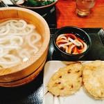丸亀製麺 松本村井店 - 釜揚げうどんとレンコン、さつまいも天。