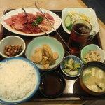 8435926 - 焼肉定食 1000円