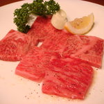 松阪牛炭火焼肉 東海亭 - 上ロースタレ