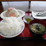 仙台富谷食堂 - 料理写真:玉子朝食 420円 (ハムエッグ、ご飯大盛り)