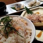 84355732 - 桜えびのご飯