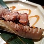 84355739 - 鳥肉と早堀り竹の子の甘辛焼き03