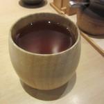 五代目 花山うどん - 冷たい黒豆茶