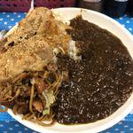 ビック鯛はのぼる - ビーフカレー生姜焼のせ@790御飯は400gぐらい盛りました。