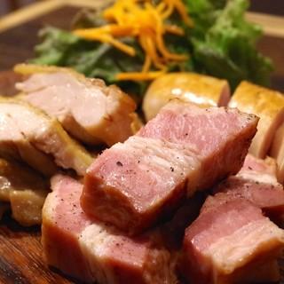 一番人気!レガーロの肉盛り!
