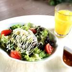 ウメカフェ - アボカド丼