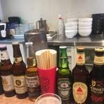 ヌードル・サウンズ - 店内はラーメン屋さんというよりビール居酒屋の趣きです