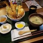 富来助 - 豪華なランチ「天丼 (950円)」
