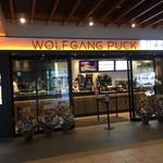 WOLFGANG PUCK PIZZA - 店舗外観