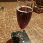 個室イタリアン LaVitaRosa  - 週末に誕生日ディナー♪ コースに飲み放題メニューがあったけど、結局付けなかった。 先ずは生ビール(580円)とキールロワイヤル(680円)、スパークリングワイン(700円)で乾杯〜( ^ ^ )/□