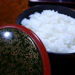 民宿ふじや - 湯ノ花地区産の自家栽培米で炊きます。