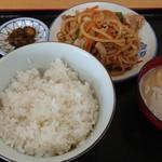 辻友食堂 - 料理写真:肉炒め定食