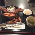 高屋敷肉店 - 【ランチ】上ステーキ丼 1180円(税込)・17年12月