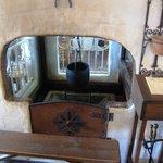 マンマ パッパ - お店の入口を入ってすぐに暖炉