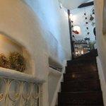 マンマ パッパ - 入口左には2F席への階段もある