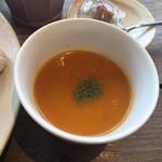 84391922 - にんじんスープ