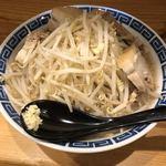 ラーメンだるま - 料理写真:子ぶた ニンニク少なめ ヤサイマシ アブラ普通