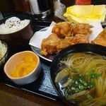 なると屋 - 料理写真:ざんぎ定食880円+味噌汁をそうめんに変更100円