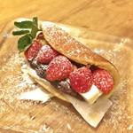 和bistro2538 - 苺とクリームチーズの「どら焼き」(480円)