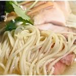 ラーメン屋ジョン - 風味、コシ、スープとのバランス、全て整った麺です。