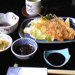 宝家 - 郷土色の強いあさりフライ定食2100円。