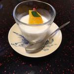 松濤館 - 杏仁豆腐