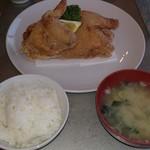 グリル 塩豚 - すっかり定番、鶏の半身揚げセット