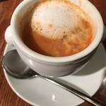 84412017 - セットのスープ。