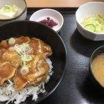 まんぷく亭  - 料理写真:焼肉丼定食 500円