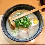 ラーメン壷 - 料理写真:豚骨ラーメン