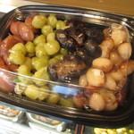 青木煮豆店 - どら焼きには4種類の豆が入っています