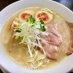 ラーメンそらのした - 料理写真:鶏白湯ラーメン +味玉へ