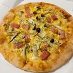 ピザ・ロイヤルハット - 料理写真:きのこのポルチーニソース